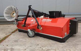 Kehrmaschinen für Traktoren
