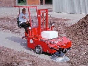 Aufsitzkehrmaschine Kehr-Fuchs
