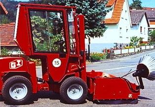 Uni-Truck Kehrmaschine für Dachdecker