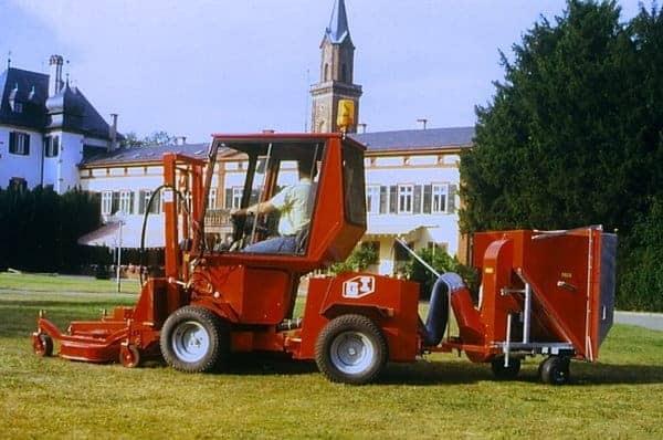 Uni-Truck Rasenkehrmaschine