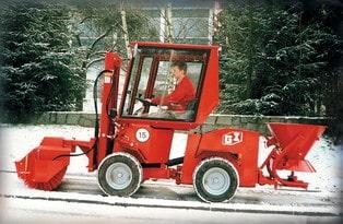 Uni-Truck Schneekehrmaschine