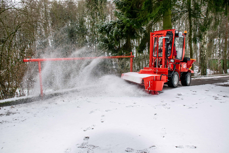 Uni-Truck Winterdienst
