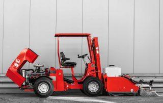 Sonderanfertigungen Uni-Truck V8-1