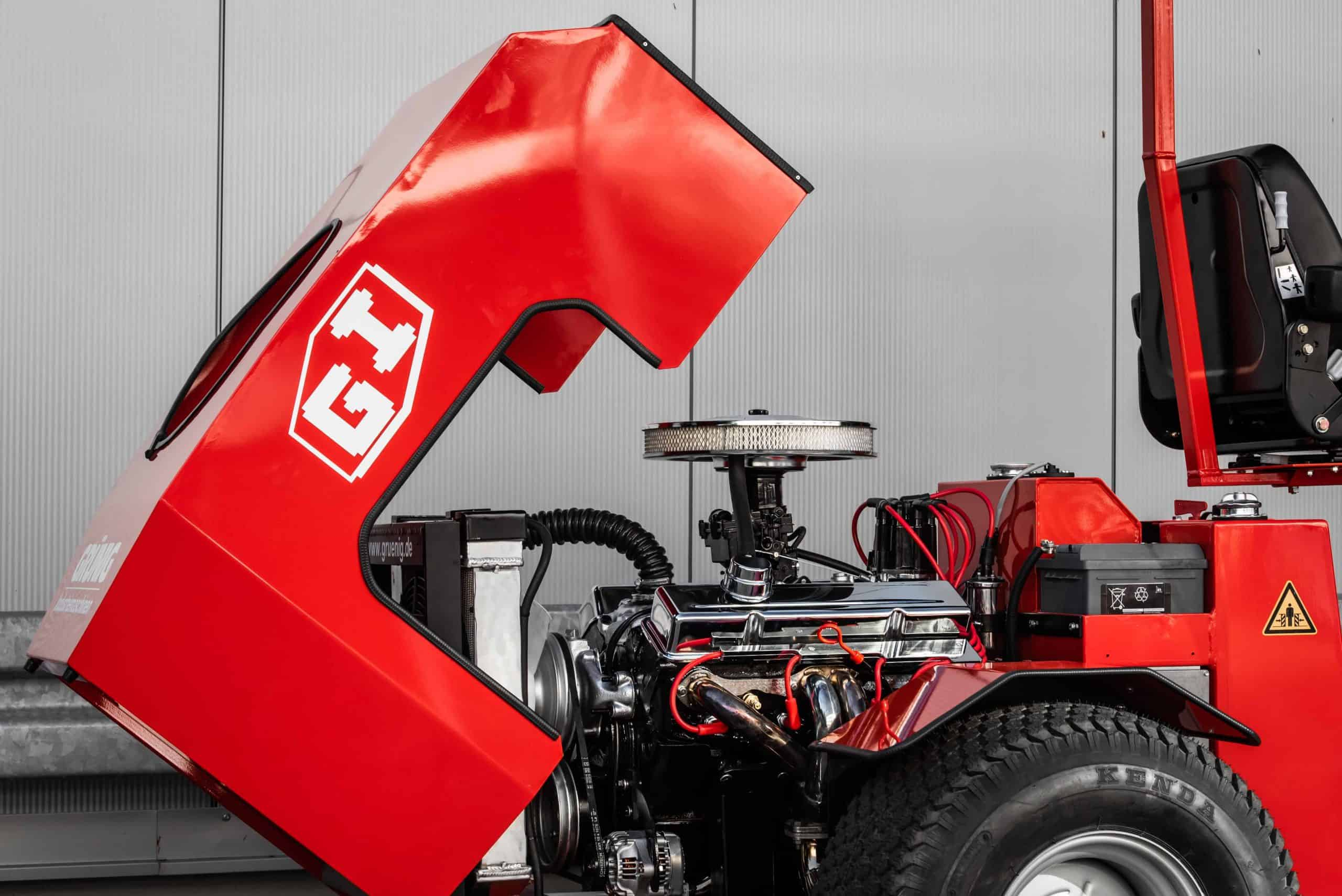 Sonderanfertigungen Uni-Truck V8
